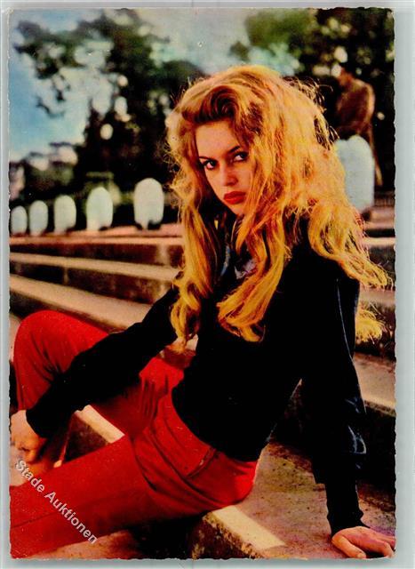 52276285 Brigitte Bardot Tribuehne Zuschauerplaetze